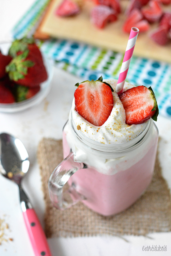Strawberry Cheesecake Smoothies! bethcakes.com