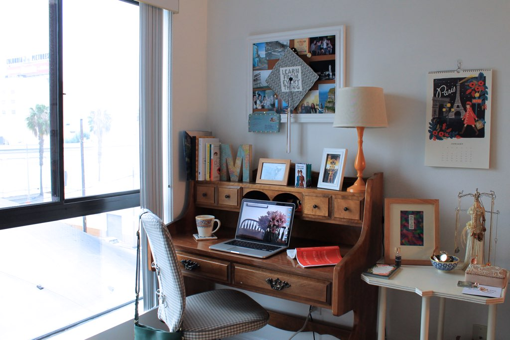 apartment style: vintage desk decor ideas