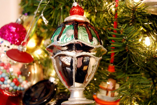 ornament - ice cream sundae-001