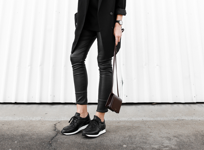 MODERN LEGACY fashion blog street style Saint Laurent burgundy bag sneakers leather leggings all black  (1 of 1)