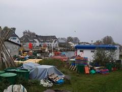 Bunter Hafen im November