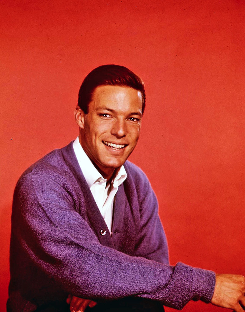Richard Chamberlain - Blue Guitar / They Long To Be Close To You
