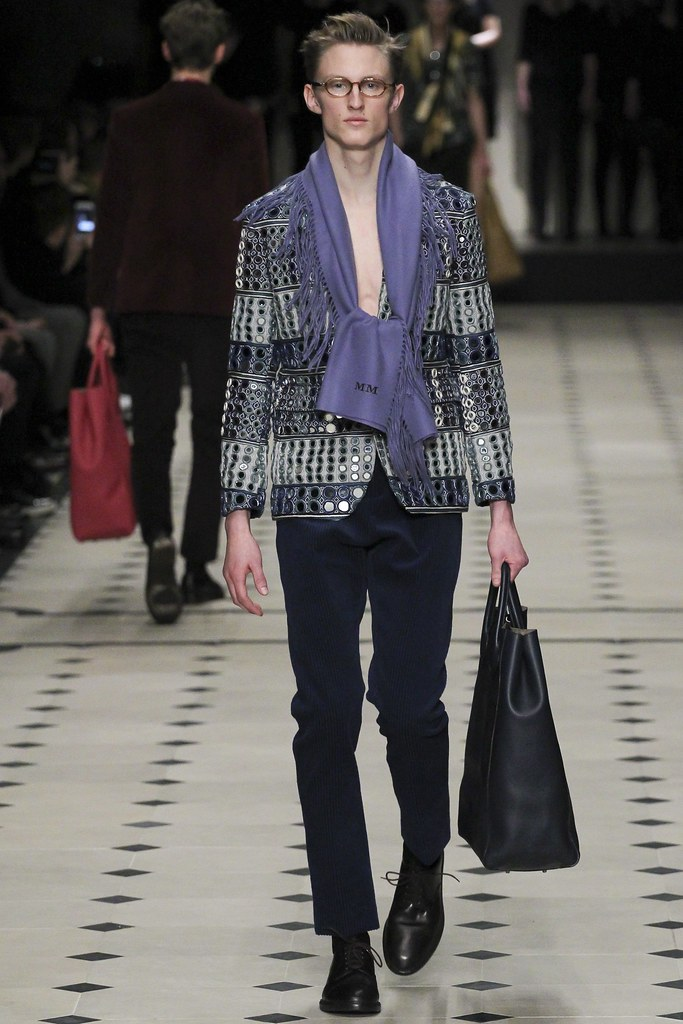 FW15 London Burberry Prorsum045(VOGUE)