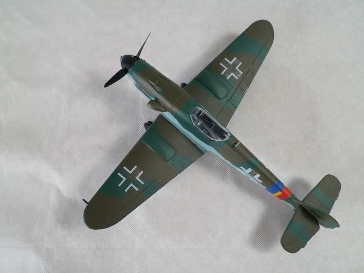 Messerschmitt Bf109 G-10 [Revell 1/72] 15900338486_f686a9c9c3_b