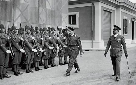 Italo Balbo y Hermann Göring pasando revista