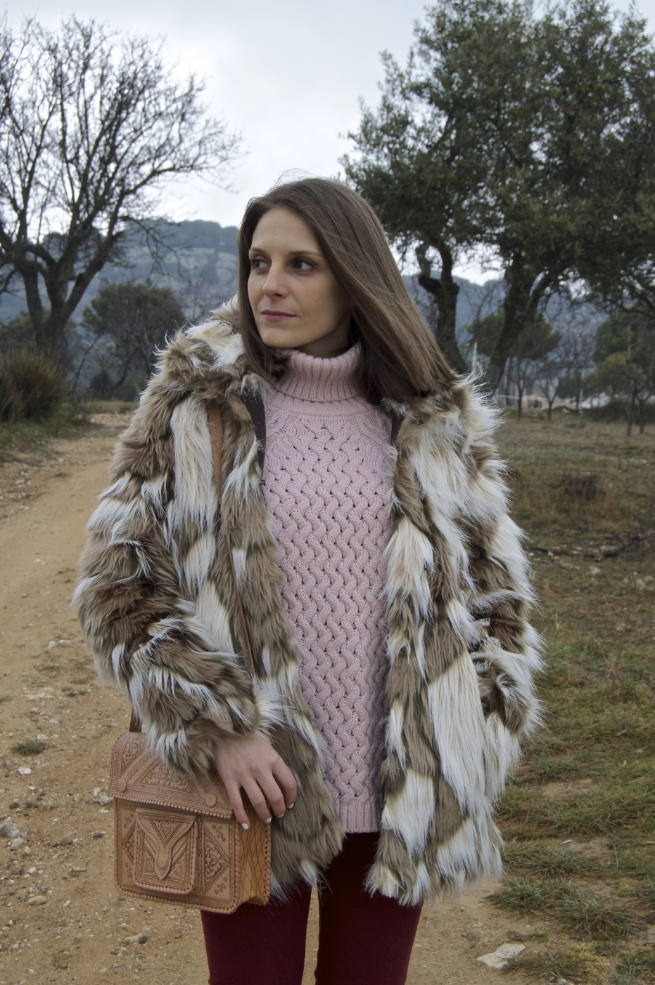 lara-vazquez-mad-lula-outfit-winter-mixing-prints