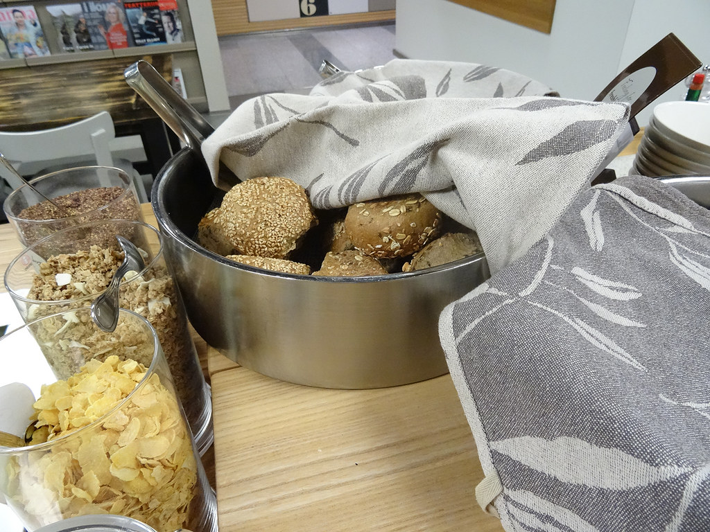 lounge bread
