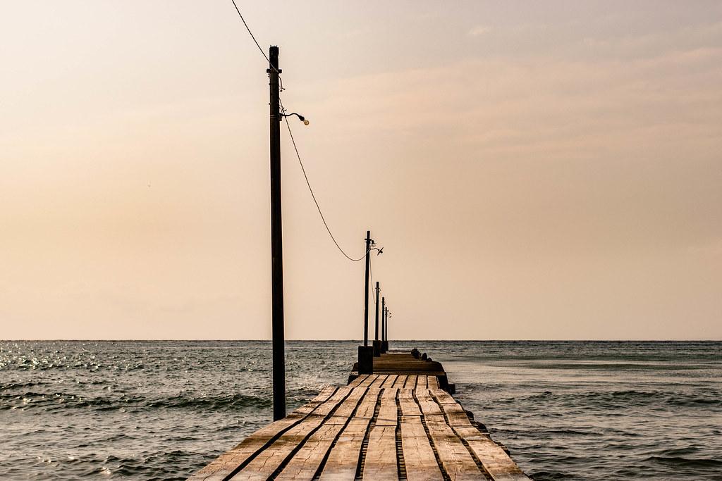 原岡海水浴場の桟橋