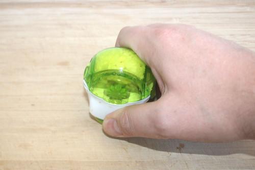 26 - Knoblauch zerkleinern / Mince garlic