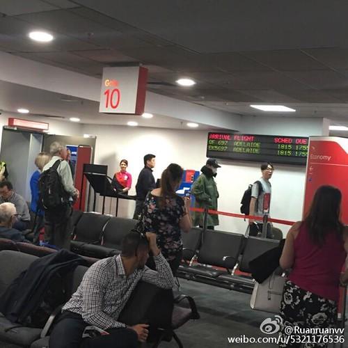 BIGBANG Arrival Melbourne 2015-10-20 (12)