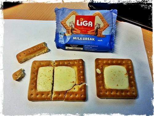 Bijzondere #Liga koekjes... Zeker overgenomen door #Ikea waardoor ik nu stukjes heb overgehouden?