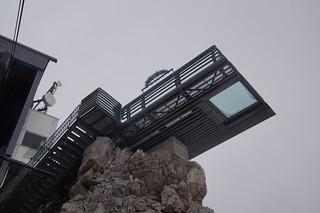 079 op het dak van de gondel naar beneden