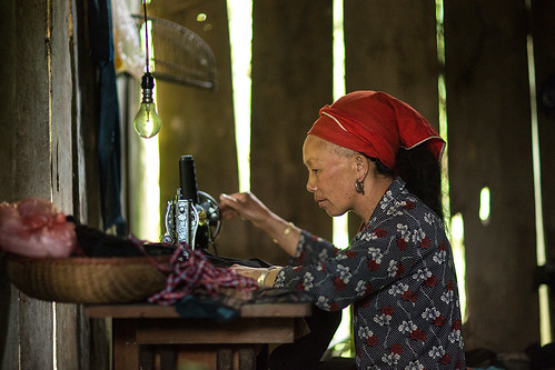 Dao woman embroidering in Ta Phin village