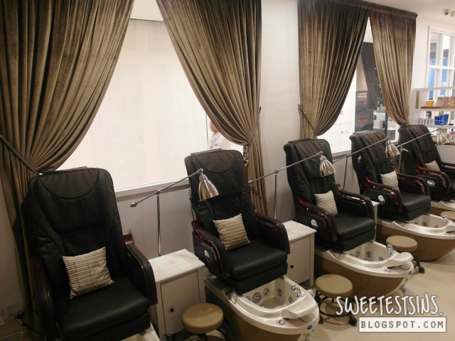 nailz treats onekm nail salon 5