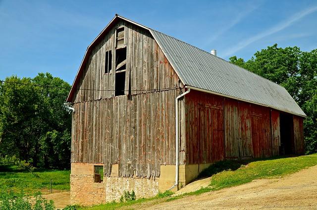 Barn -  Farm - Beaver Dam Wisconsin