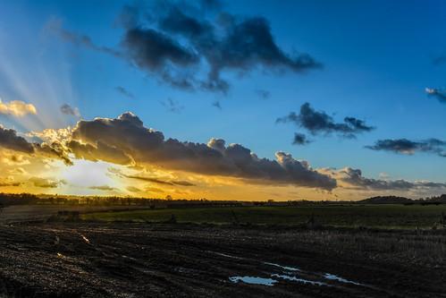 uk sunset sky clouds nikon day skies cloudy waterdroplets icecrystals cloudscapes weatherstation fiddlersferrypowerstation d7100 nikonafsdxzoomnikkor1855mmf3556gedii cloudsstormssunsetssunrises