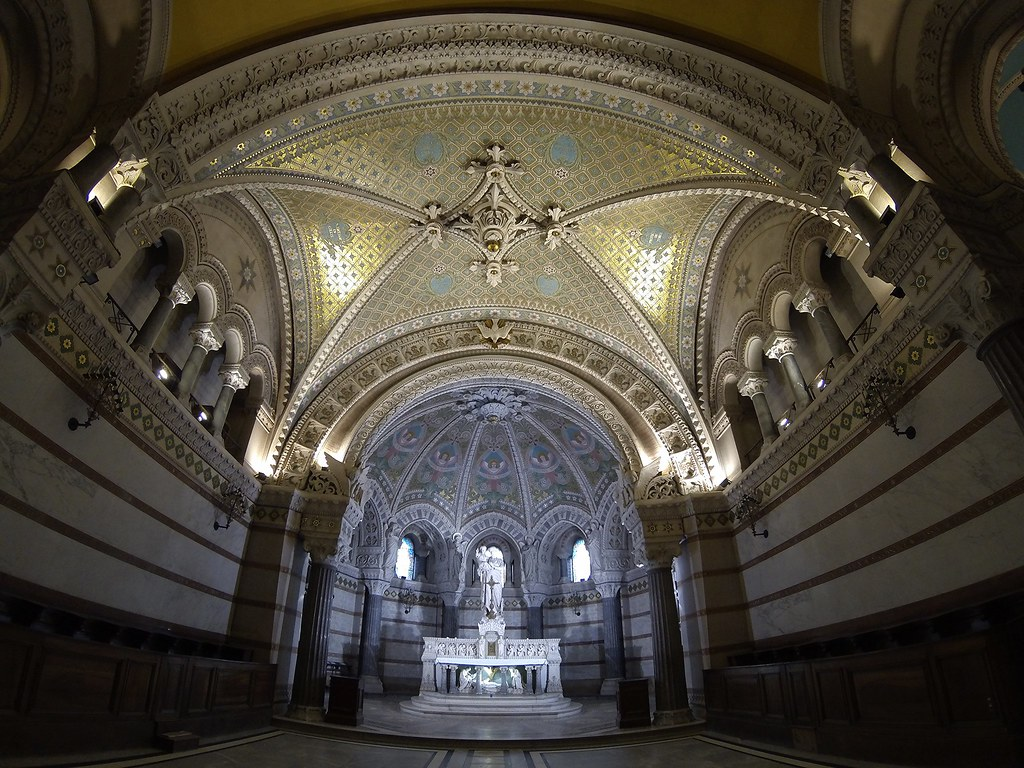 Notre-Dame de Fourvière by Goproo3, on Flickr. Fuente