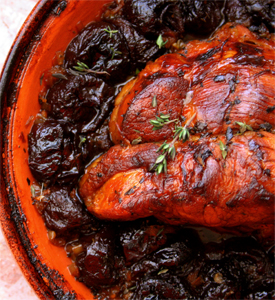 Viel roast with dried plums