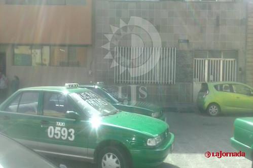 bloquean taxistas