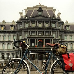 Afternoon pic of the Old Exec Office Bldg. Asked if I was on a worldwide tour. Merry Christmas! #bikedc