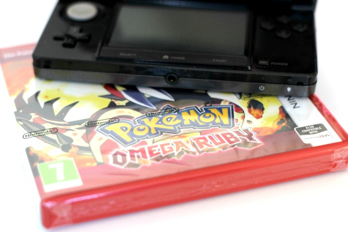 Nintendo 3DS & Pokemon Omega Ruby