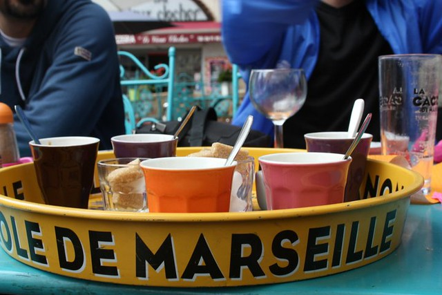 Marsiglia, L'Effet Clochette, 2 Place des Augustines