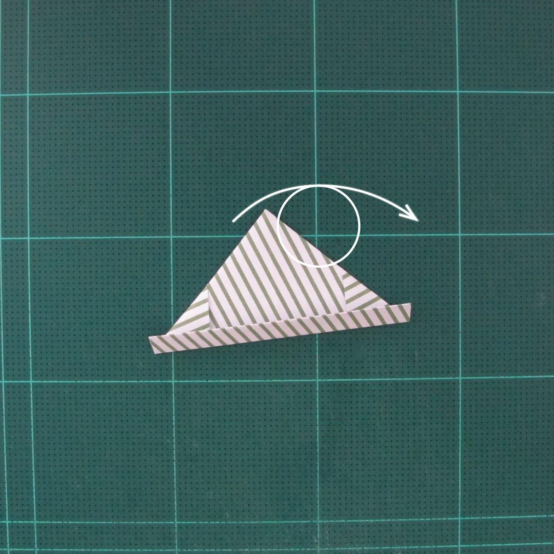 วิธีทำหรีดห้อยหน้าประตูสำหรับวันคริสต์มาส (Christmas wreath origami and papercraft) 014