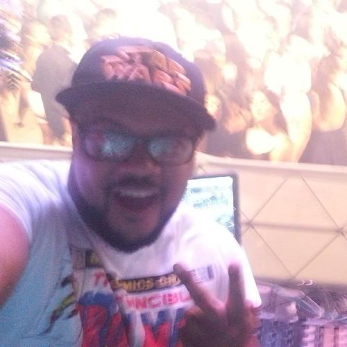 Break Itaqui. 👏🎧🔊🎶🎊 #vinnyandj #djlifestyle #movingdjs #lovemyjob #friends #feelthebeat #vemcomigo #vemDançar #tasendoepico