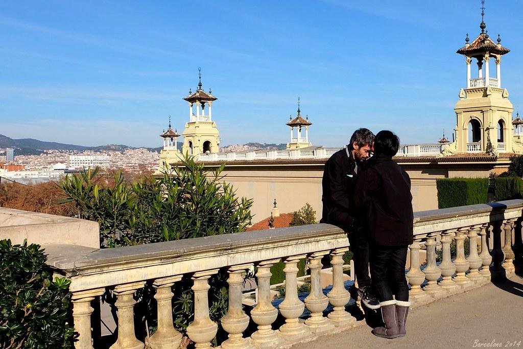 Barcelona day_3, Avinguda Reina Maria Cristina, a bit of love