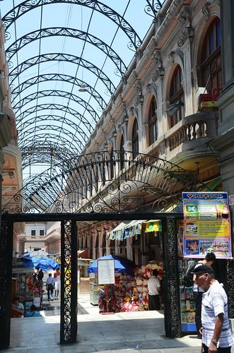 In der Mitte befindet sich die Hauptpost von Lima