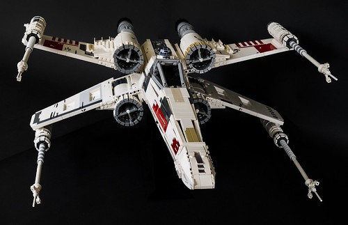 UCS X-Wing Red 5