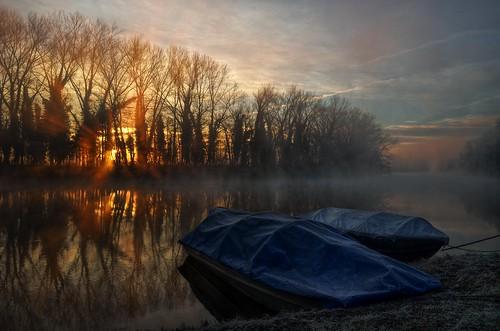 italy mist sunrise river boats dawn nikon italia alba fiume barche hdr adda foschia pattanaik fattal qtpfsgui mantiuk06 airuno reinhard05 d5100
