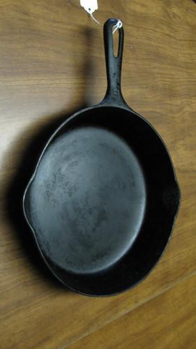 MI00197-Griswold Pan