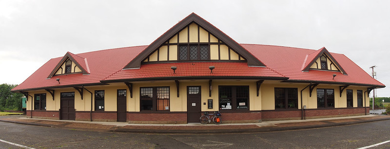 Old Hoquiam Station: Passenger rail used to serve this station, but it is now just a DMV.
