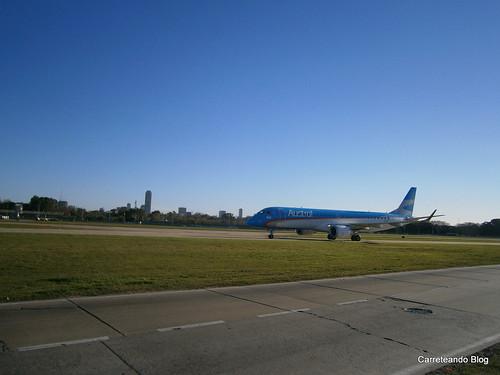 Embraer 190 LV-CIH procedente de Mendoza