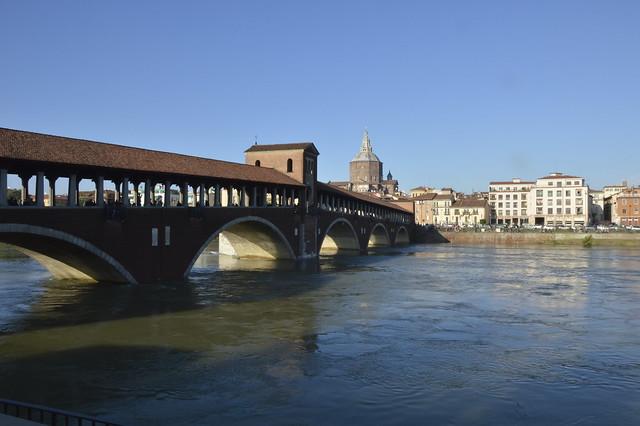Pavia in piena