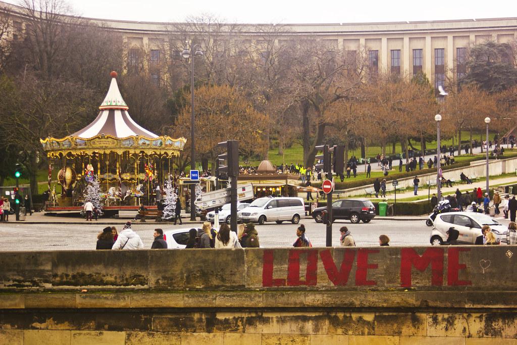 paris december christmas holiday holidays tapeparade blog landmark location vacation