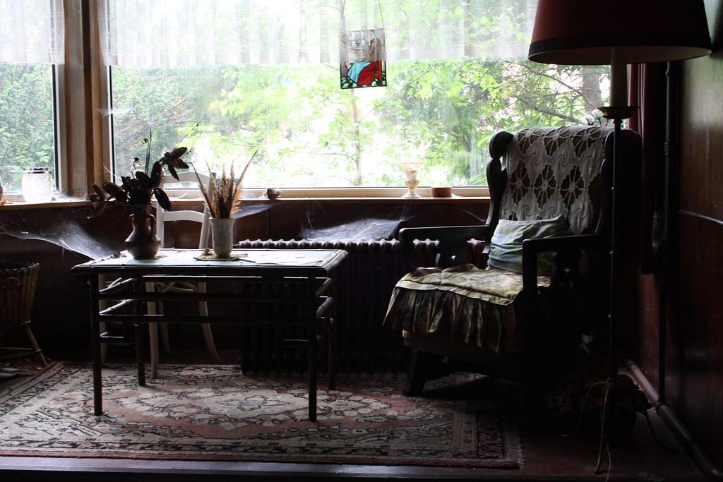 maison de l oiseau bleu june 14. Black Bedroom Furniture Sets. Home Design Ideas