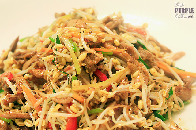 Sauteed Shredded Duck Meat with Beansprouts