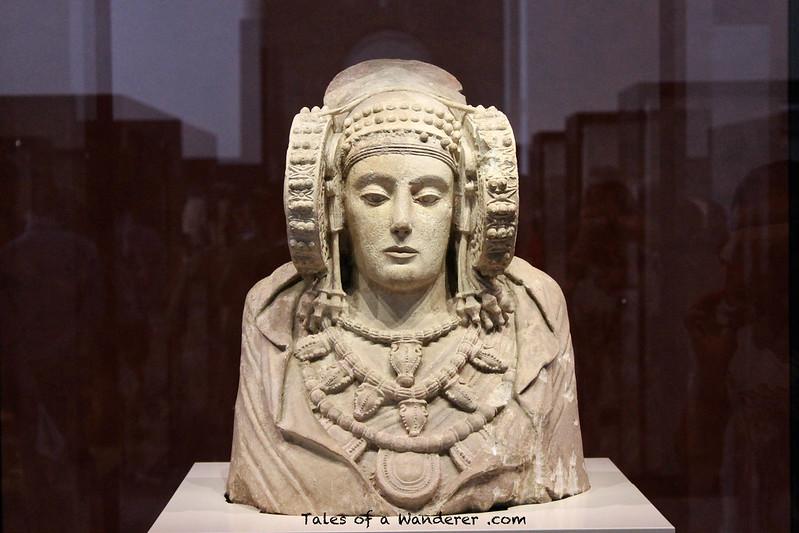 MADRID - Museo Arqueológico Nacional - Dama de Elche