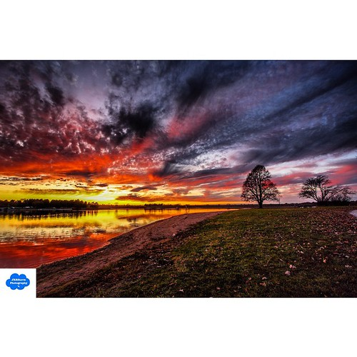 sunset clouds square nebraska squareformat holmeslake canon40d iphoneography instagramapp uploaded:by=instagram