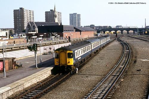 train diesel railway passenger britishrail doncaster southyorkshire dmu class123 dmbs e52094