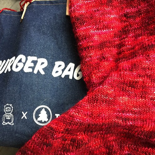 Tagged for #whatsonmyneedles by @digitalnabi. Just finishing the back of #CustomFit #4 in Manos Wool Clasica. Using my #lilwoodys and #tarboo #burgerbag to hold my knitting. I tag @purlingswine @cirilia and @susanbanderson.