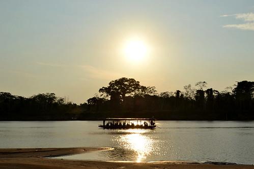 Cruce del río Beni (entre Beni y Pando) al atardecer