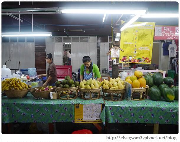 泰國-泰北-清邁-Somphet Market-Tip's Best Fresh Fruit Smoothie-市場-果汁攤-酸奶水果沙拉-燕麥水果優格沙拉-香蕉Ore0-泰式奶茶-早餐-19-652-1