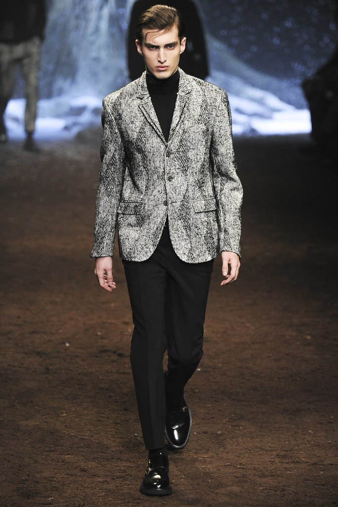 FW15 Milan Corneliani045_Charlie France(VOGUE)