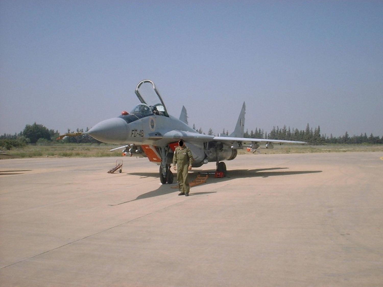 صور طائرات القوات الجوية الجزائرية  [ MIG-29S/UB / Fulcrum ] 27164500230_caa0651d38_o
