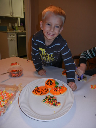 Oct 27 2014 FHE Halloween Sugar Cookies (20)