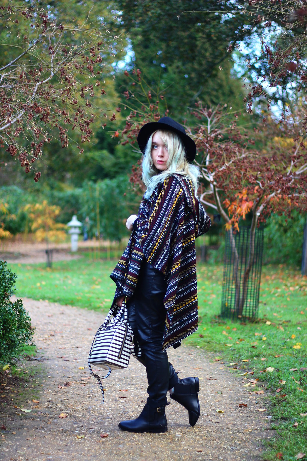 5britfash, fashion_blogger_style, blanket_coat, aztec_print, topshop, kate_spade, britfash