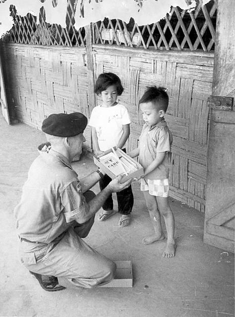VIETNAM 1965-66 - Trường Tiểu Học LỘC NINH